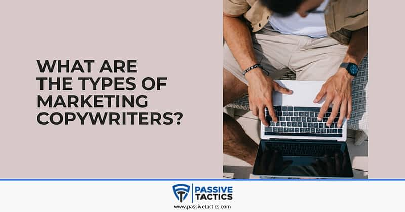 what does an advertising copywriter do